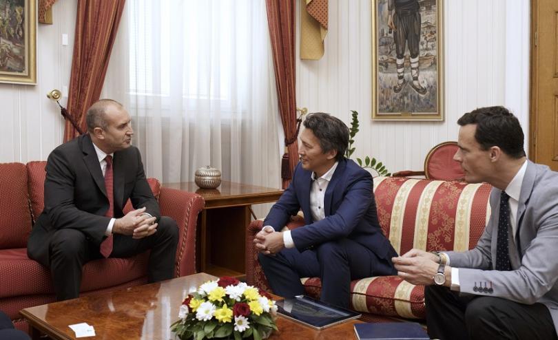 президентът радев директорът еърбъс обсъдиха отбранителната индустрия