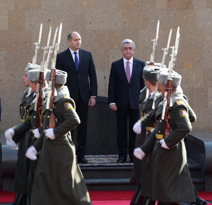 снимка 2 Румен Радев: България приема Армения като надежден партньор