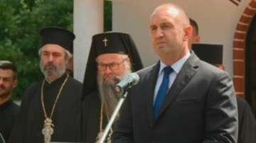 Президентът Радев присъства на освещаването на параклис в Граф Игнатиево