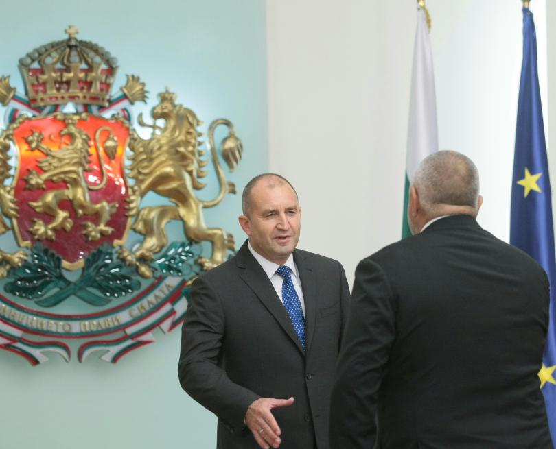 снимка 8 Започна срещата в президентството за двустранните отношения със Скопие (СНИМКИ)