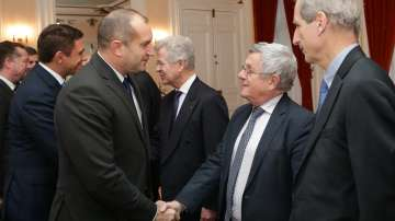 Румен Радев покани водещи френски компании да засилят производството си у нас