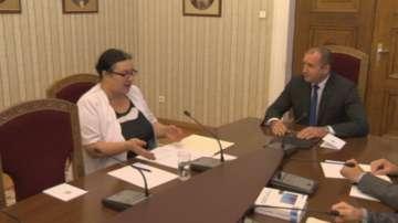 Президентът Радев обсъди въвеждането на електронния вот с председателя на ЦИК