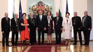 Президентът награди с държавни отличия дейци на културата и изкуството