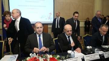 Румен Радев: Българската икономика трябва да се преструктурира