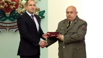 Президентът Румен Радев и бр. ген. Николай Караиванов