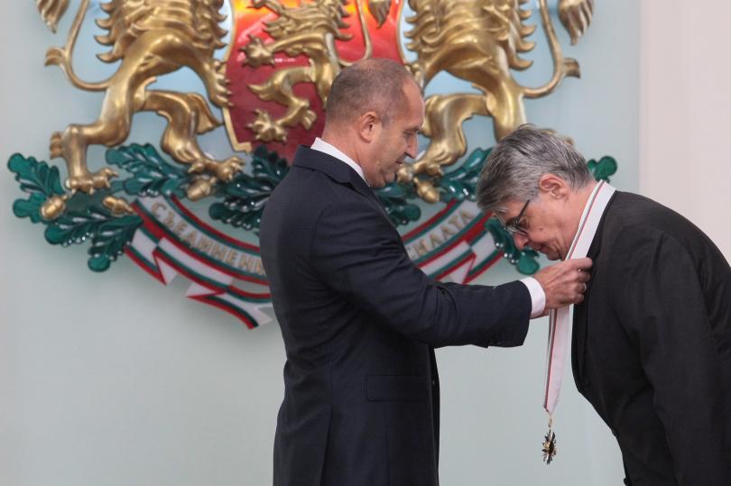 """снимка 1 Президентът удостои гръцкия посланик с орден """"Стара планина"""" първа степен"""