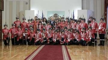 Президентът се срещна с млади гвардейци