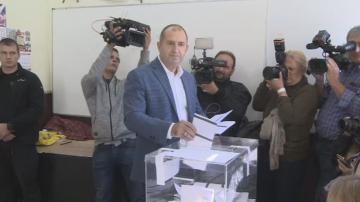 Радев: Призовавам българите да не оставят друг да определя бъдещето им