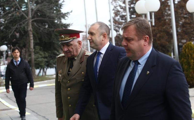 снимка 1 Конференция за състоянието на армията събра президента и министъра на отбраната