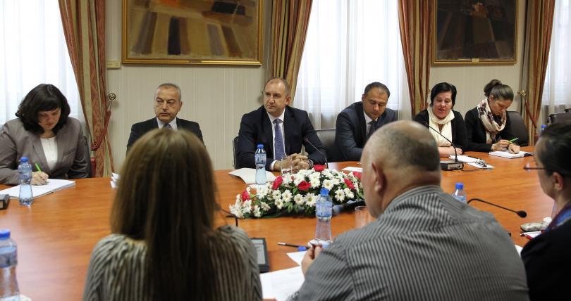 Снимка: Президентът Румен Радев се срещна с медицински специалисти