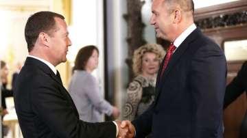 Президентът Румен Радев се срещна с руския премиер Дмитрий Медведев в Москва