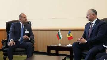 Радев получи уверение за запазване статута на българите в Тараклийски район