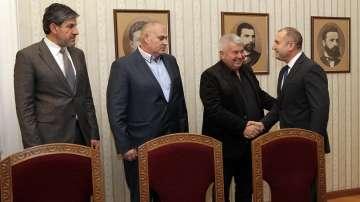 Президентът Радев подкрепи исканията на превозвачите след среща на Дондуков 2