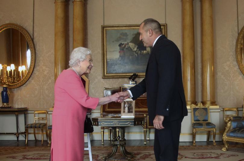 Току-що приключи аудиенцията на президента Румен Радев при британската кралица