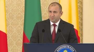 Радев: Цветанов да свикне, че политиците се срещат в негово отсъствие