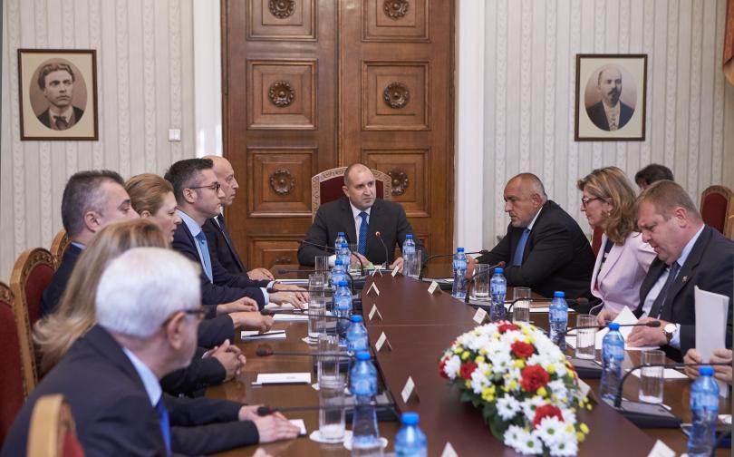 снимка 1 Румен Радев: Необходима е позиция за защита на българския национален интерес