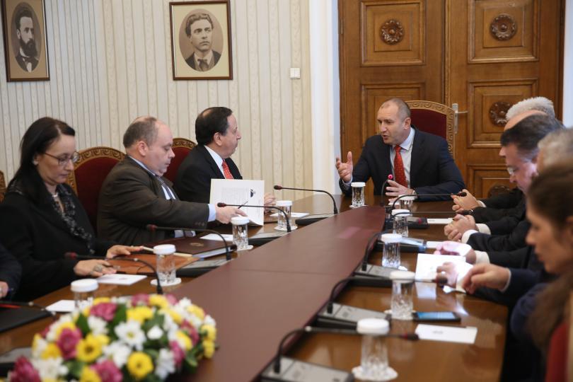 снимка 1 Румен Радев: Ценим високо приноса на Тунис за стабилизиране на Северна Африка