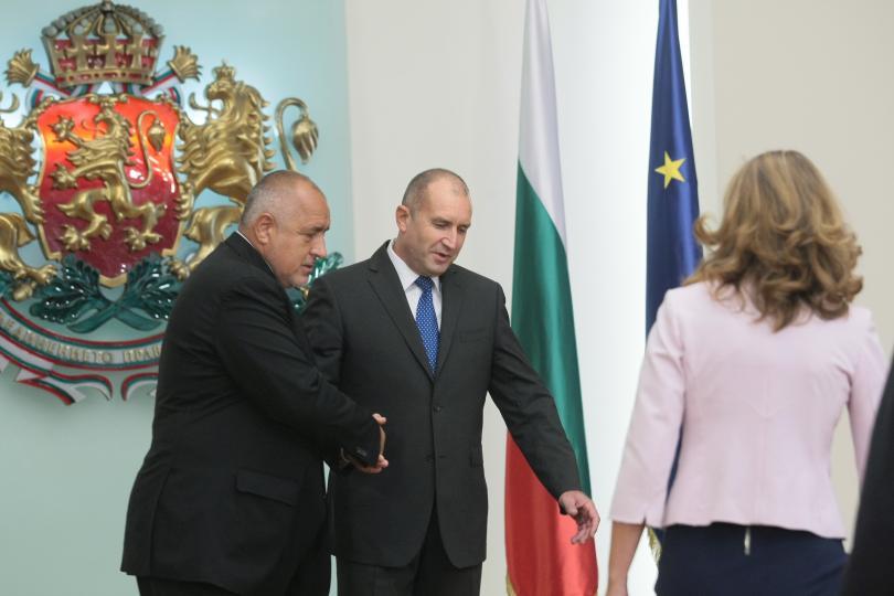 снимка 9 Започна срещата в президентството за двустранните отношения със Скопие (СНИМКИ)
