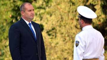 Президентът Радев на посещение на бойния флот в Бургас