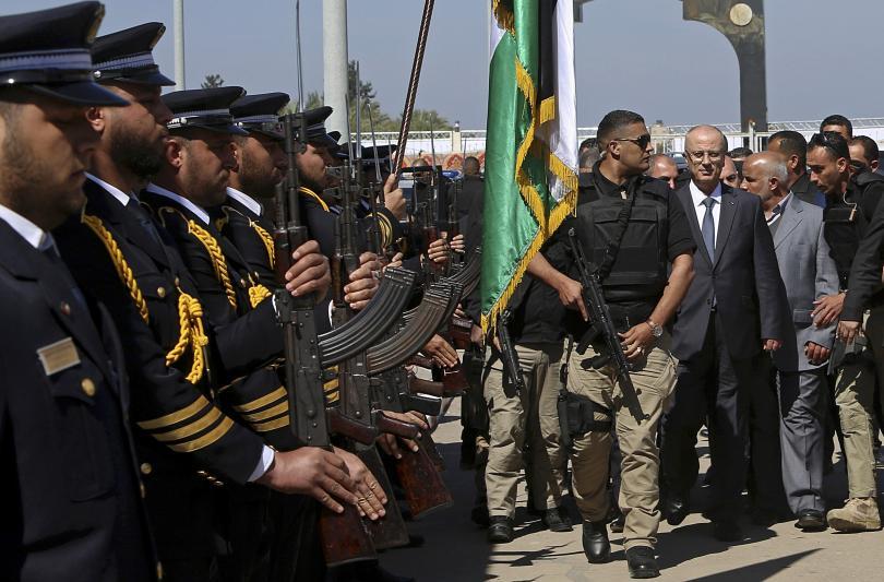 Опит за покушение срещу палестинския премиер Рами Хамдала. При влизане