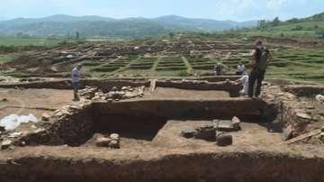 БАН: Не се налага изместване на трасето от АМ Струма заради откритата гробница