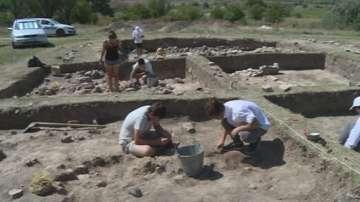 Останки на праисторически скелет на близо 6 500 години откриха край Суворово
