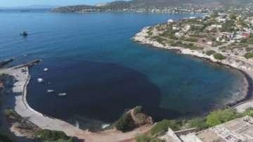 Замърсяването с мазут достигна до близкото пристанище Пирея