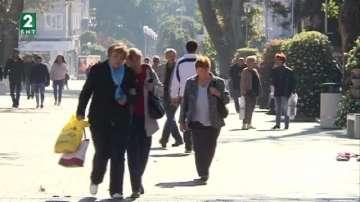 """1500 възрастни хора от Варна могат да получат ваучер от """"Великден за всеки"""