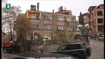 Голям пожар унищожи покрива на жилищна кооперация в Благоевград