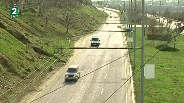 """Започна рехабилитацията на булевард """"България"""" в Русе. Пътят отвежда международния"""