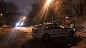 Застреляха 48-годишен мъж пред блок в София