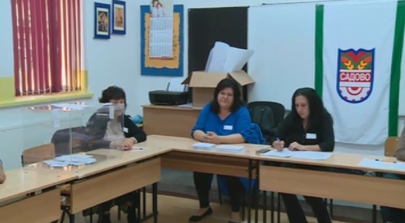 В Катуница днес се провежда референдум, в който местните жители