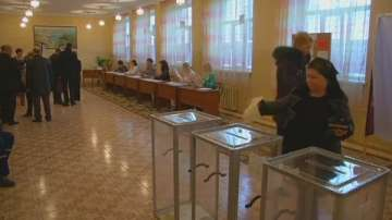 Днес в Крим гласуват на референдум