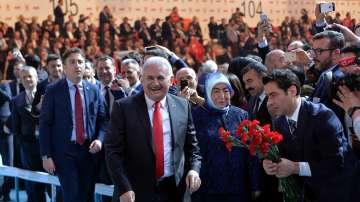 Управляващата партия в Турция започна кампания за референдума