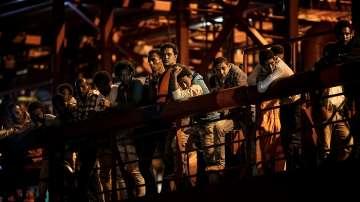 Норвежки кораб превози спасени край остров Крит мигранти