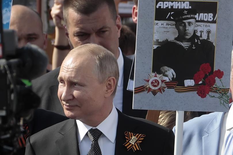 снимка 7 В Москва се проведе традиционният парад за Деня на победата (СНИМКИ)
