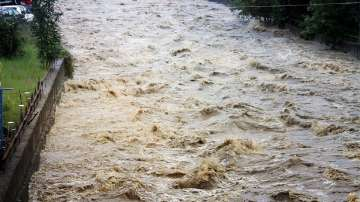 Потоп заля село Дрента в Еленския балкан, няколко къщи са откъснати от света