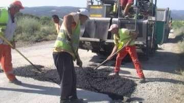 Започва ремонтът на разбития третокласен път между Мездра и Роман