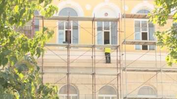 Гимназия Христо Ботев в Русе ще остане затворена заради ремонт