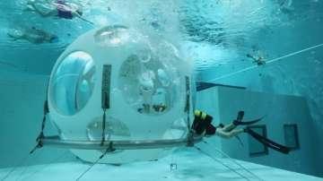 Какво е усещането да вечеряш на 5 метра под водата?