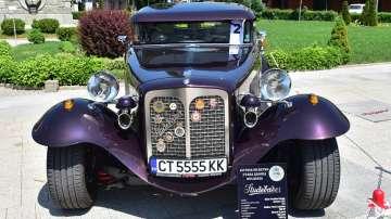 Над 100 автомобила бяха показани на ретропарад в Сливен (СНИМКИ)