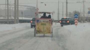 Без коментар: С рикша по снега в Русе