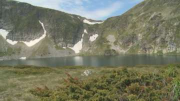 Туристи замърсяват с боклуци района на Седемте рилски езера