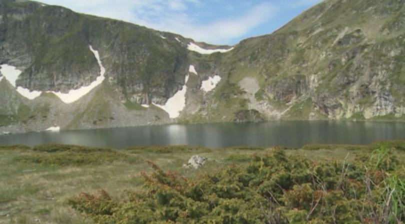 Голяма част от посетителите на Седемте рилски езера замърсяват района