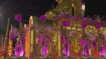Карнавалът в Рио навлезе в най-горещата си фаза