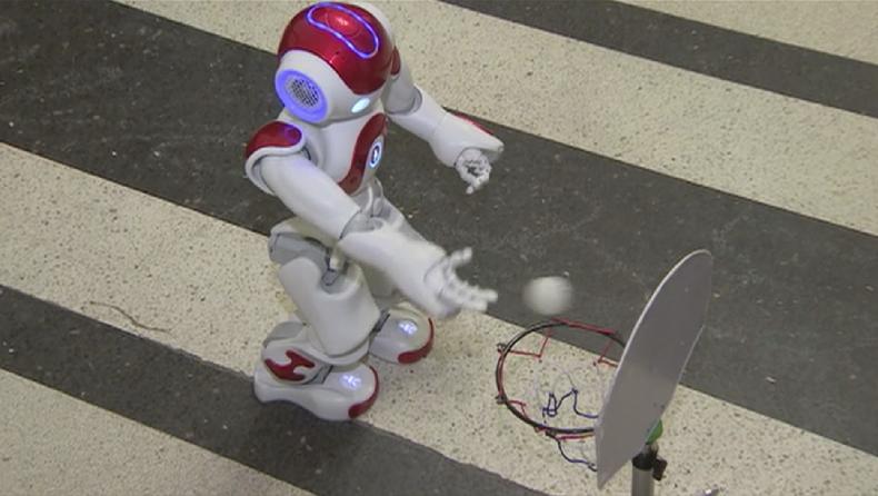 Иновационен форум, посветен на роботиката, се организира днес от учените