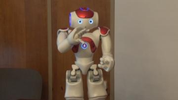 Роберта - роботът, който ще помага на деца със специални потребности