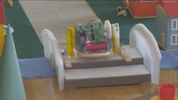 Ученици от столични училища се срещнаха с крачещия робот Голямата стъпка