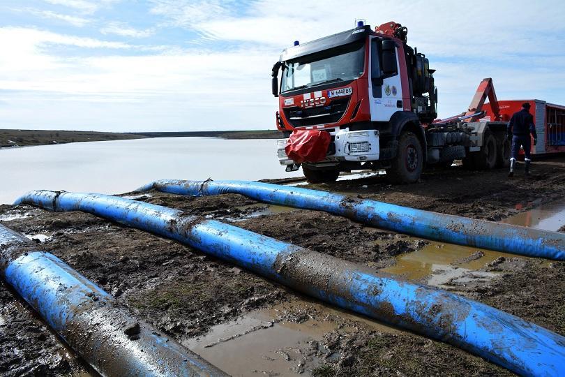 Министрите Нанков и Московски инспектират възстановителните работи по Рогозен 1