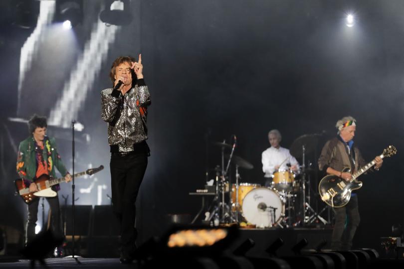 снимка 3 Ролинг стоунс започна европейското си турне с концерт в Хамбург (СНИМКИ)